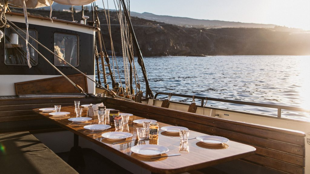 Twister-canary-dinner-deck-1024×576